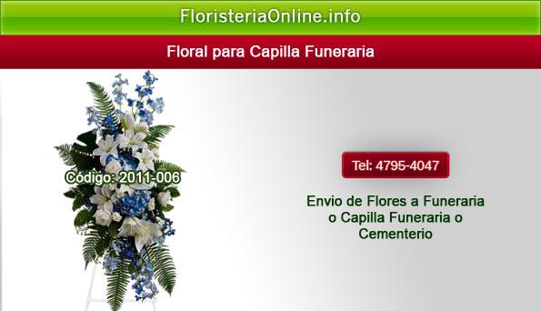 Flores con esquelas para funeral en Guatemala